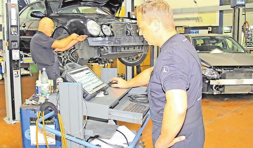 Heute unverzichtbar: digitaler Prüfstand in der Werkstatt des Autohauses Johann Wedig. FOTO: WIP