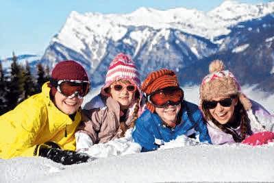 Perfekt ausgerüstet ist man nach dem Besuch des Sport- und Skimarkts. FOTO: COLOURBOX