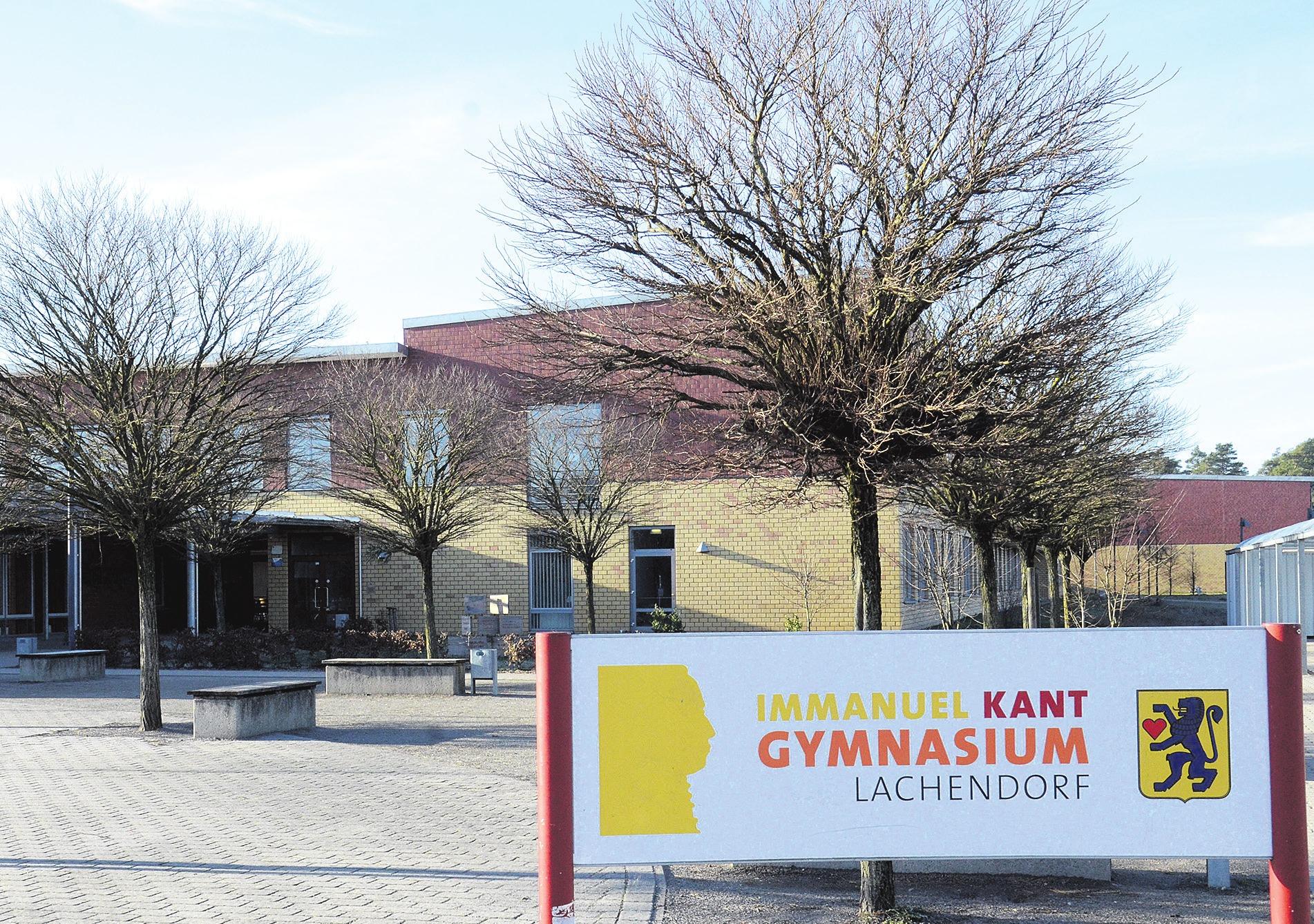 Das 2005 gebaute zweigeschossige Schulgebäude mit Dreifeldsporthalle des Immanuel-Kant-Gymnasiums in Lachendorf muss erweitert werden. Foto: Müller