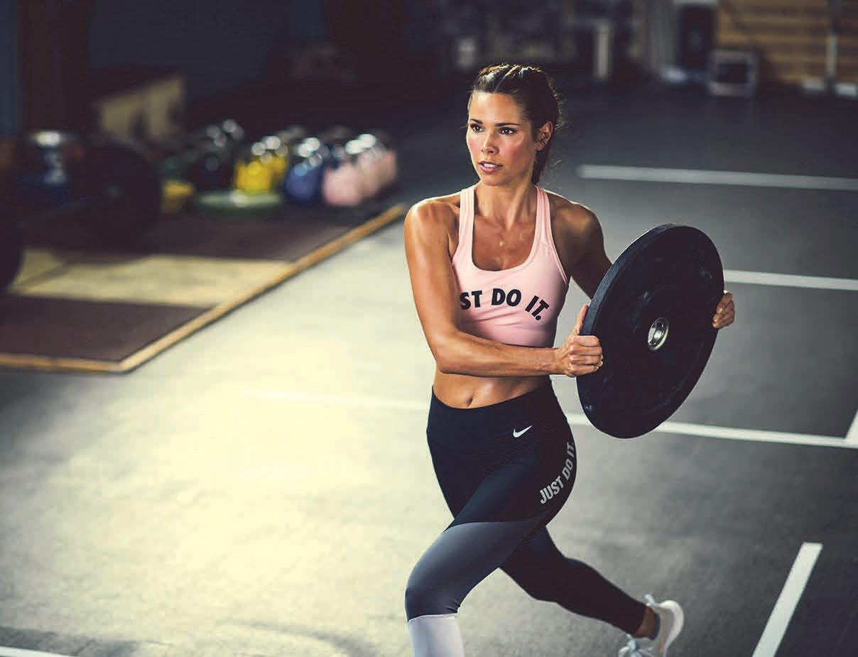 Mit Artikeln aus dem Kraftsport-Bereich werden die eigenen vier Wände zum privaten Fitnessstudio. Foto: Nike