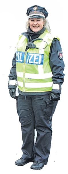 Die neue Stadtteilpolizistin Marie-Luise Knabe hat in Sasel schon viele nette Kontakte knüpfen können.Foto: Doris Schultes