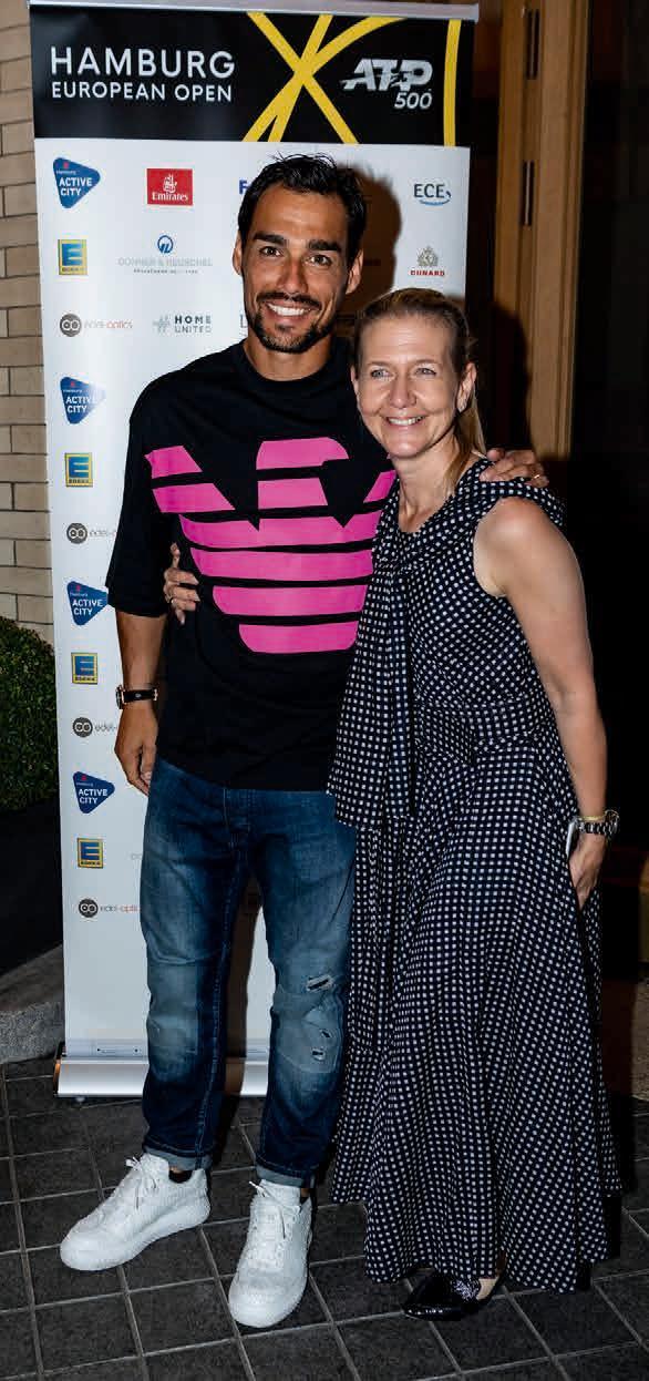 Fabio Fognini während des Spielerabends mit Turnierchefin Sandra Reichelt.Foto Alexander Scheuber/ Hamburg European Open