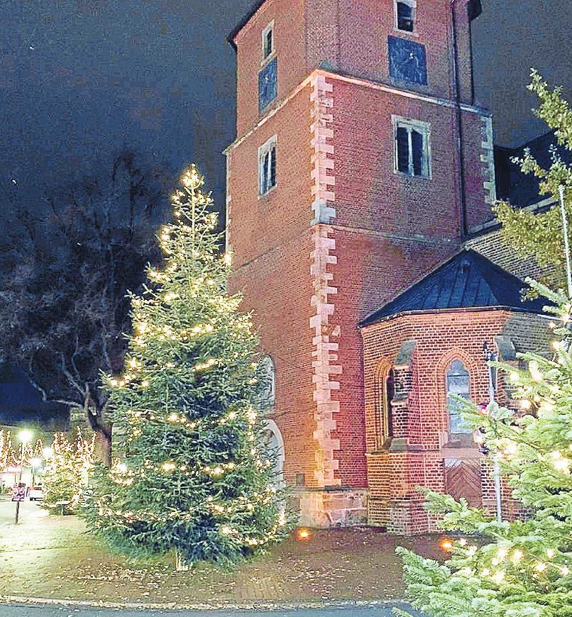 Die Vechtaer Weihnachtsbeleuchtung sorgt beim Einkauf in der Innenstadt für eine besondere Atmosphäre.