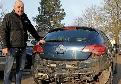 Mit 35 Jahren als Kfz-Meister hat Inhaber Rainer Ortmann viel Erfahrung bei der Unfallabwicklung. FOTO: TBU