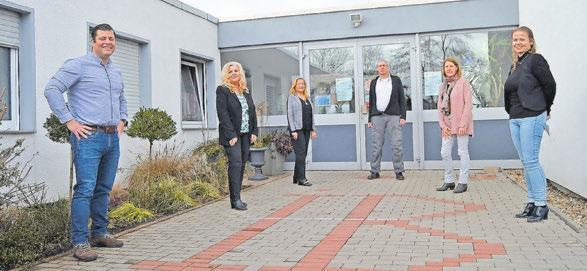 Für Freiwilligendienste und das Bildungszentrum in Saarbrücken zeichnen unter anderem verantwortlich (von links): Martin Schüler, Petra Scheuermann, Gabi Groß, Markus Haas, Rita Baumgärtner und Georgia Theobald. Foto: Stefan Bohlander