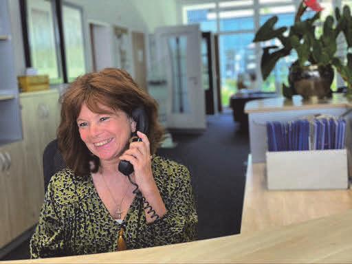 Ein freundlicher Empfang am Telefon und in der lichtdurchfluteten Ausstellung mit Besprechungsinseln zeigen Interessenten, dass sie hier von Anfang an am richtigen Ort gelandet sind.
