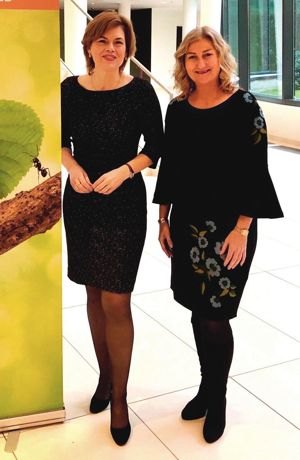 Julia Klöckner mit Martina Mensing-Meckelburg.Foto: VDG