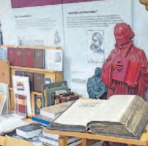 Gesammeltes Wissen: das Bibelmuseum in Neustadt. Foto: Roland Happersberger