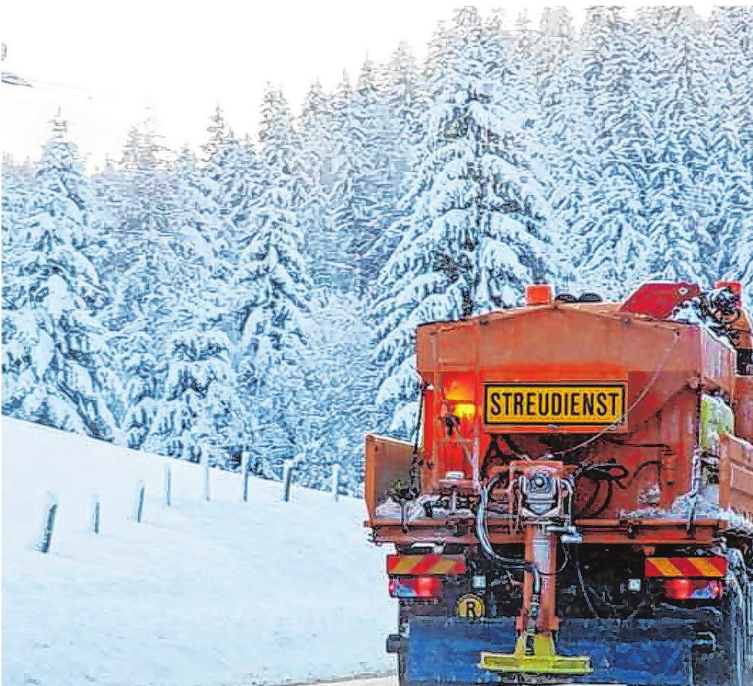 Die umweltschonende Flüssigstreuung wird je nach Wetterlage allein oder in Kombination mit anderen Techniken eingesetzt. Foto: djd/Verband der Kali- und Salzindustrie e.V./pe-foto - stock.adobe.com