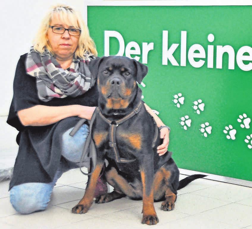 Angelika Beensen ist die Expertin, wenn es um Tierfutter und Zubehör geht.