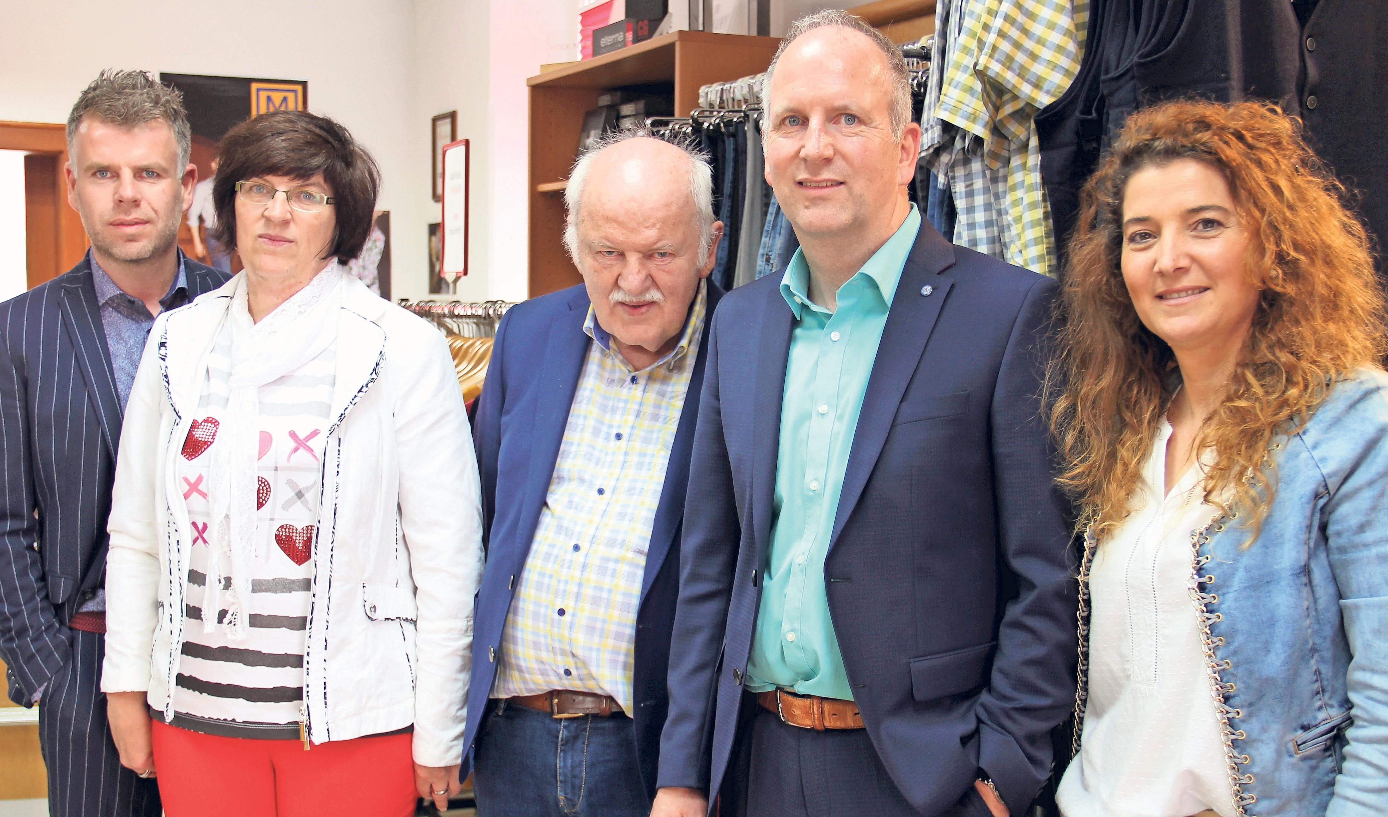 Familienbetrieb mit Herz und Kompetenz: Das Team von Becker & Exner freut sich über den Sieg beim achten Bayreuther Kundenspiegel. Foto: Thomas Kenger