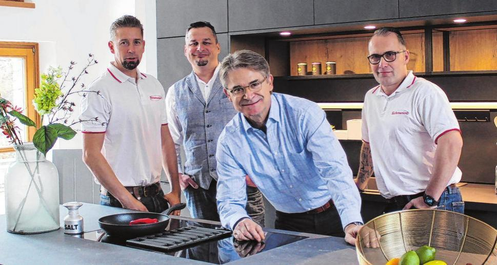 Das Team von Küchenunion (v.l.): Gesellschafter Marc Neuer, die Verkäufer Andreas Musculus und Andreas Schilka und André Kiekbusch ebenfalls Gesellschafter. Foto: Antje Schulz