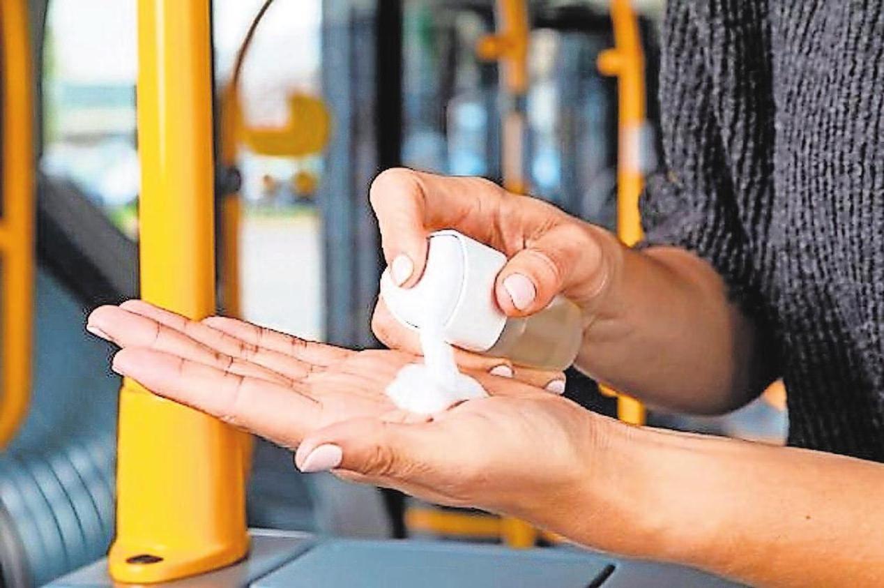 Trotz der Anwendung von Desinfektionsmitteln sollte die Haut nicht leiden. Foto: glp