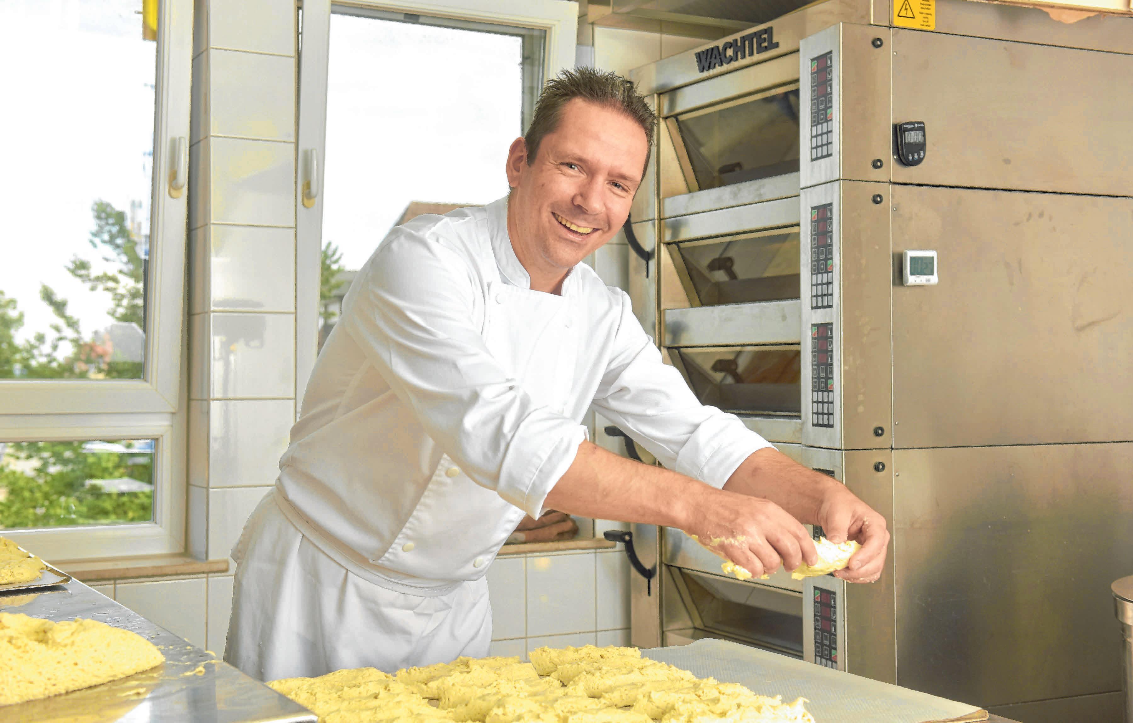 Martin Schmidt backt ausschließlich glutenfrei. FOTO: OH