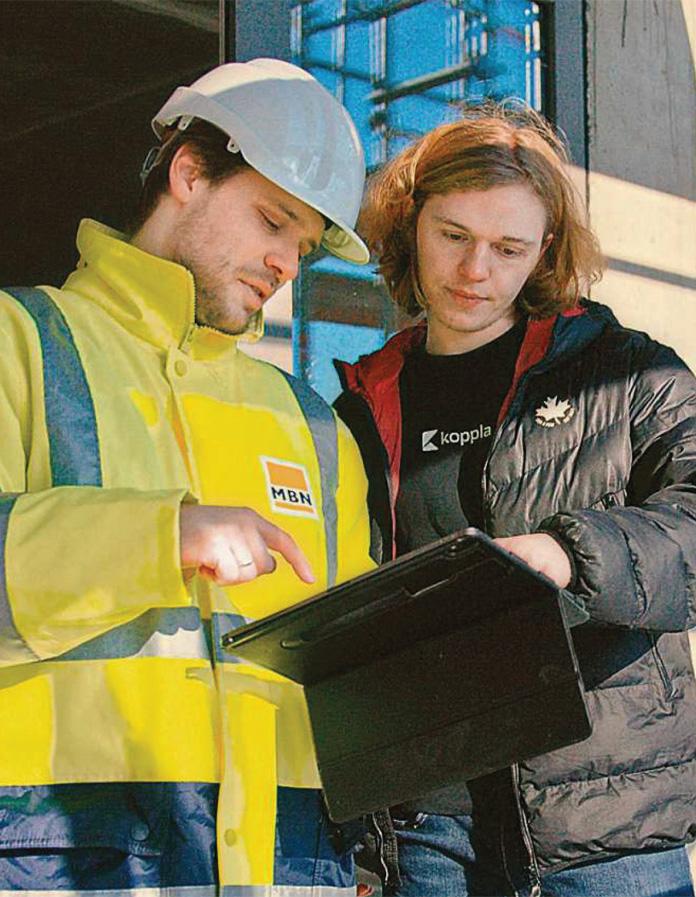 Volle Kontrolle. Die Software der Firma Koppla soll die Koordination auf Baustellen einfacher machen. Gründer Jerome Lange (r.) hat ein Programm entwickelt, mit dem die Bauleitung alle Termine der auf einer Baustelle tätigen Termine koordinieren kann. Die einzelne Baustelle kann dafür in verschiedene Ebenen unterteilt werden.