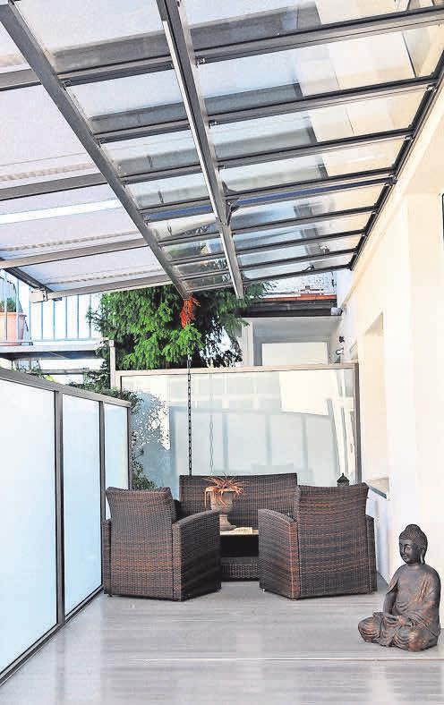 Glasdachsysteme bieten Schutz vor Regen und verwandeln jede Terrasse in eine Wohlfühloase.