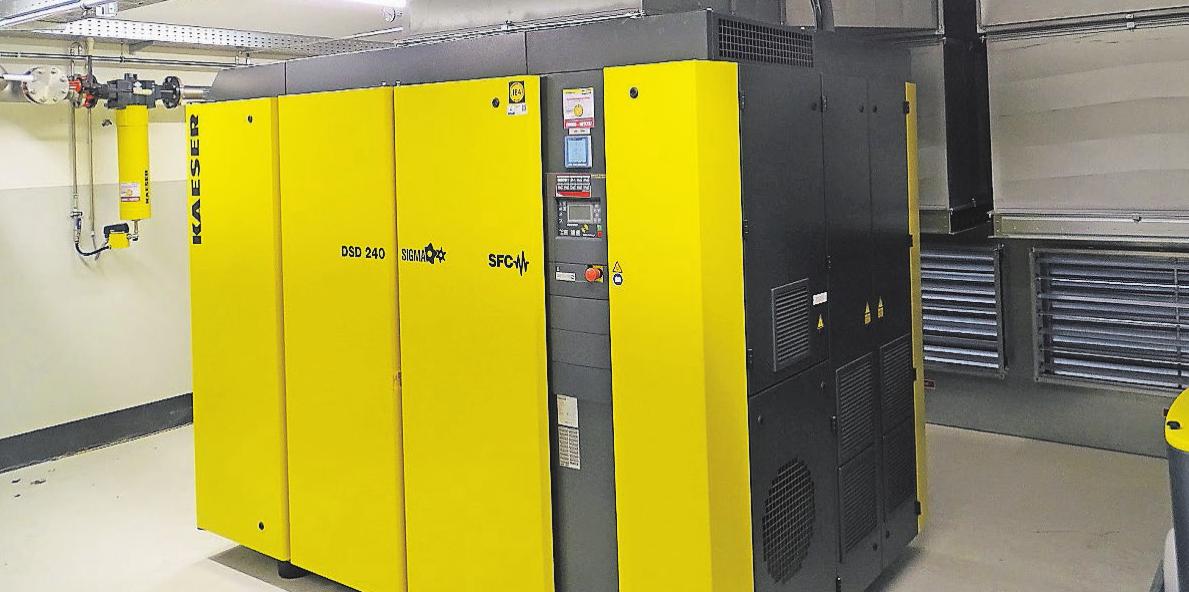 """Erfolgreiche Wärmerückgewinnung: Über Wärmetauscher an den Kompressoren ist es bei Knipex gelungen, die selbst erzeugte Wärme in der Firma """"einzufangen"""" und ins Heizungsnetz umzulenken."""
