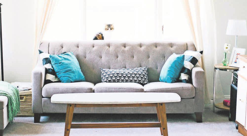 Farben und Formen ergänzen das trendige Wohndesign.