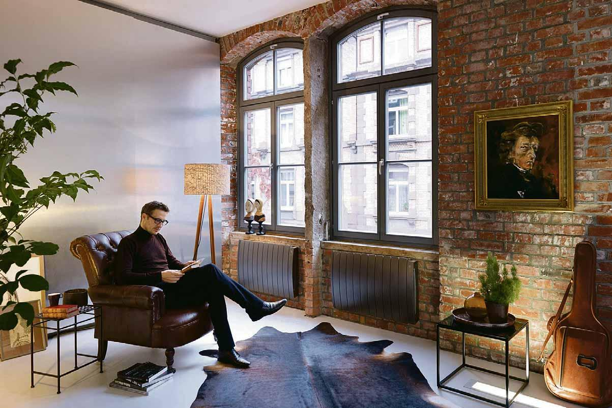 Energieeffiziente Elektroheizkörper sorgen für eine punktuelle, schnelle Wärme in Neubau und Renovation. Die exakte Regelung der Raumtemperatur ist mithilfe der integrierten Bedieneinheit möglich. Foto: djd/Zehnder Group Deutschland GmbH