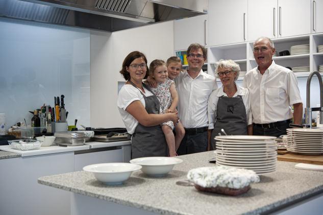 Sie freuen sich auf die Eröffnung: Claudia, Greta, Clara, Florian, Inghild, und Bernd Klein (von links).