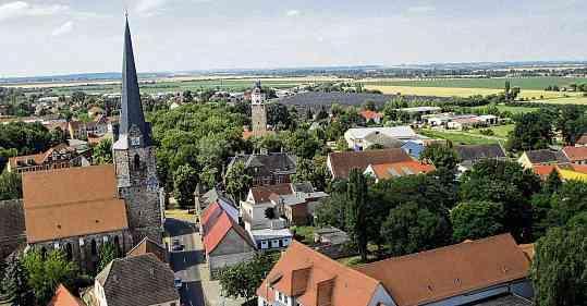Die Stadt Lützen blickt auf eine 750-jährige Geschichte zurück. Dieses Jubiläum wird am nächsten Wochenende im Schlosspark gefeiert. FOTOS: STADT LÜTZEN/PETER LIESKER