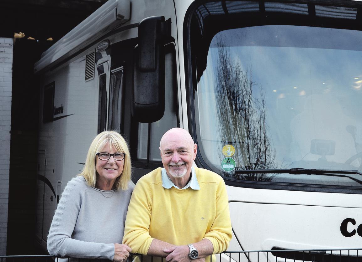 Elke und Rolf Müller sind begeisterte Wohnmobil-Fans und erobern die Ländern mit ihrer Concorde