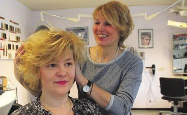Friseurmeisterin Ines Ressel liegt mit Fingerspitzengefühl und Fachkenntnis im Trend.