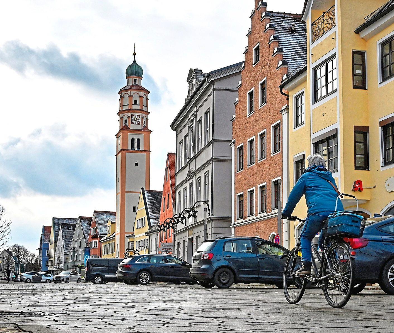 Nicht viel los in Schrobenhausens Innenstadt: Über Click & Collect haben sich aber viele Geschäfsleute etwas einfallen lassen, damit der Verkauf weitergeht. Fotos: Manfred Schalk
