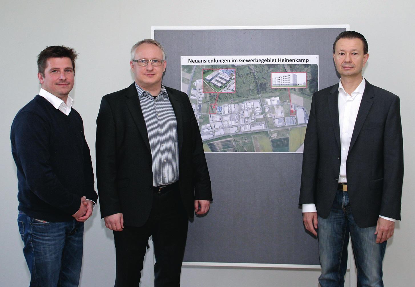 Von links: Simon Diestelmann (Standortleiter in-tech Engineering Campus), René Borowka (Lieferantenansiedlung, Wolfsburg AG), Kai Kronschnabel (Vermieter Engineering-Zentrum für Zulieferunternehmen). Foto: Wolfsburg AG