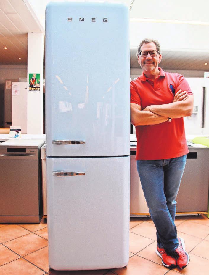 Klaus Thiel führt in der Elektrofundgrube eine gute Auswahl an Kühl- und Gefrierschränken – die einen geräumig und energiesparend, die anderen mit BioFresh-Technologie.