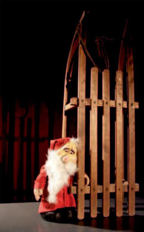 Kleiner Weihnachtsmann: Figurentheater in der Region. Foto: Chausseetheater/frei