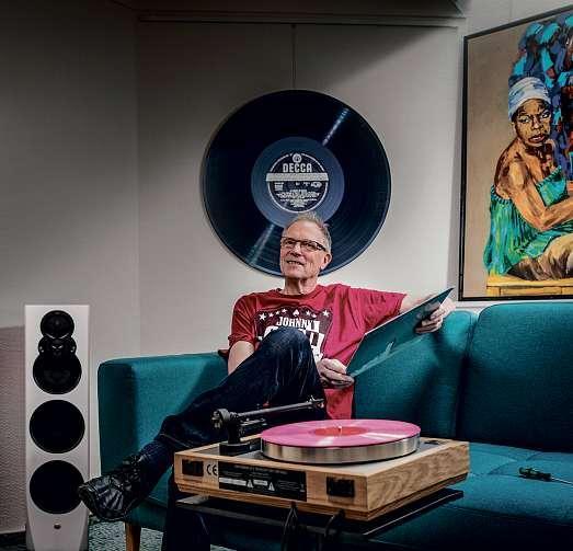 Kay Hinrichsen bietet Musikliebhabern feine Klangsysteme für den anspruchsvollen Musikgenuss. FOTO: PEPE LANGE