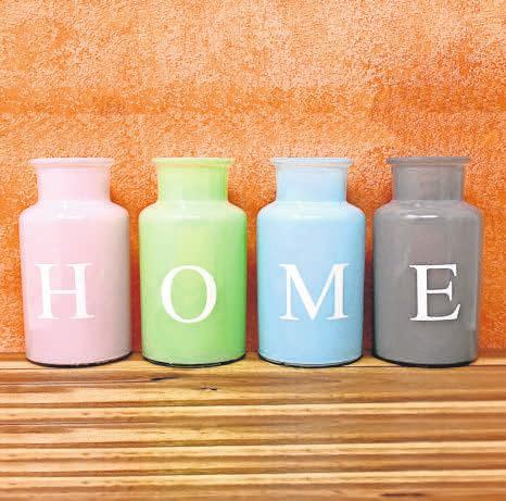 Vasen, Kerzen, Dekosteine – sie verleihen das gewisse Etwas. Foto: Pixabay