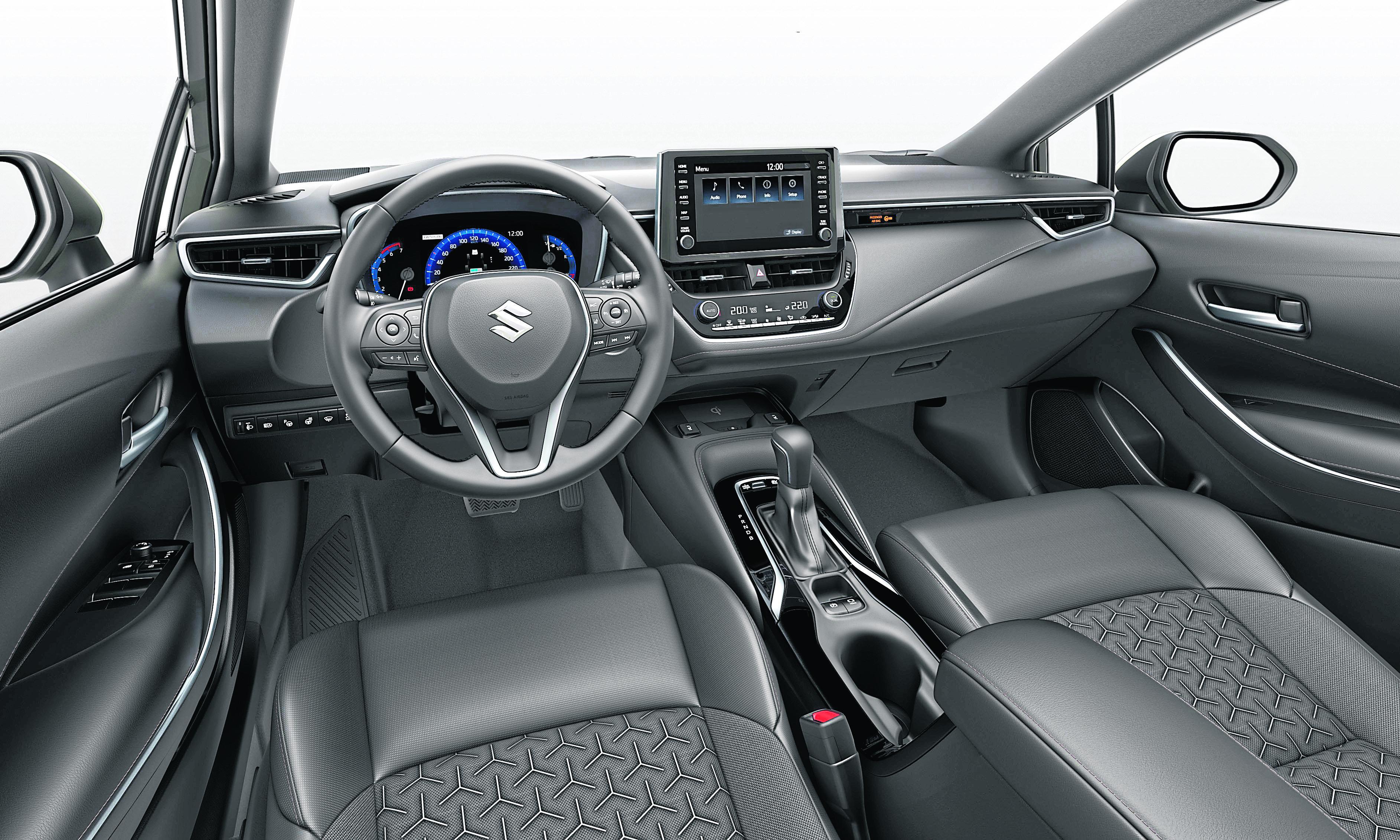 Übersichtlich und bedienerfreundlich: das Cockpit des Suzuki Swace.
