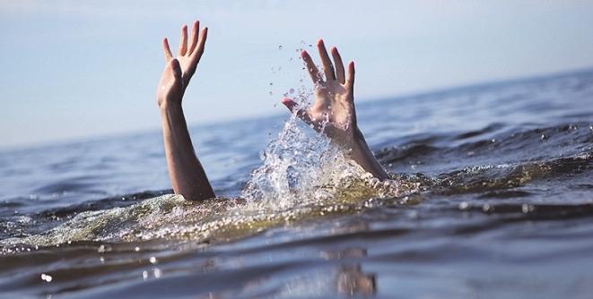 Strudel können Menschen unter Wasser ziehen. Bild: Anton Sokolov/stock.adobe.com