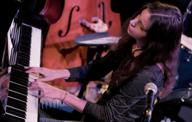 Clara Vetter Trio: Gemeinsam mit Jakob Obleser am Bass und Schlagzeuger Lucas Klein widmet sich Clara Vetter einem ständigem musikalischem Forschen.