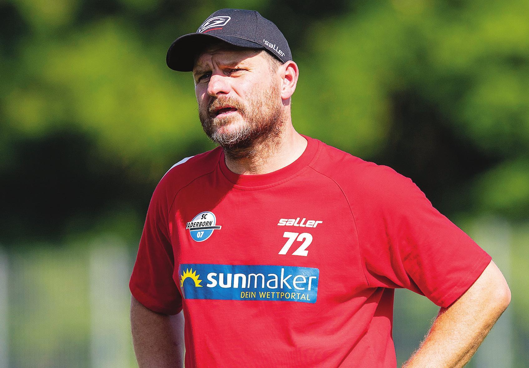Der Trainer mit der Nummer 72 Image 1