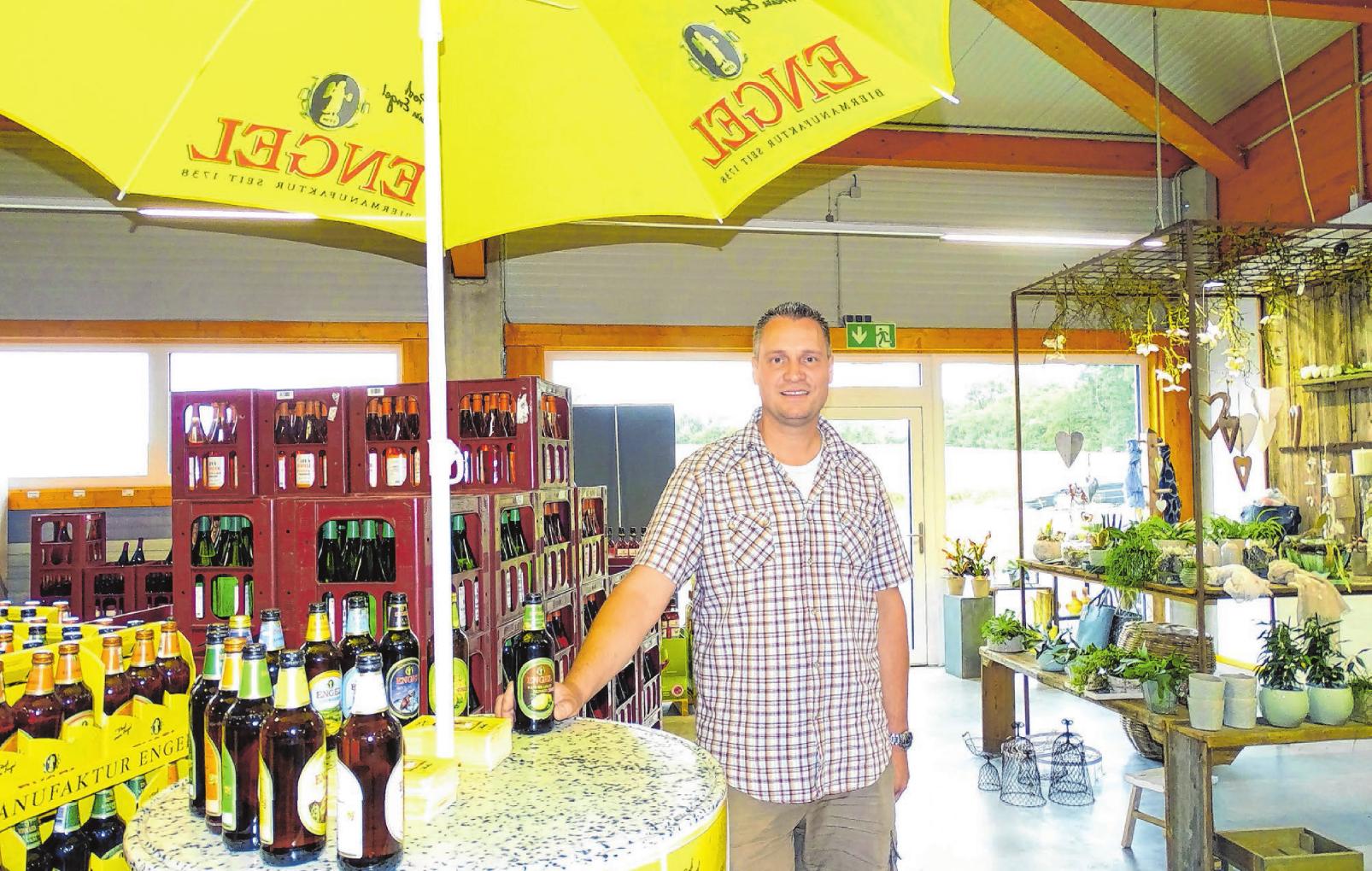 Michael Ley lädt am Freitag und Samstag in seinen Getränkemarkt am Sprudelweg ein. Foto: Birgit Trinkle