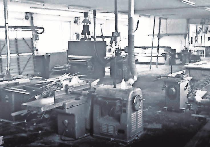 Blick in die ehemalige Fertigungshalle der Tischlerei Welling - so sah es früher aus. FOTO: R