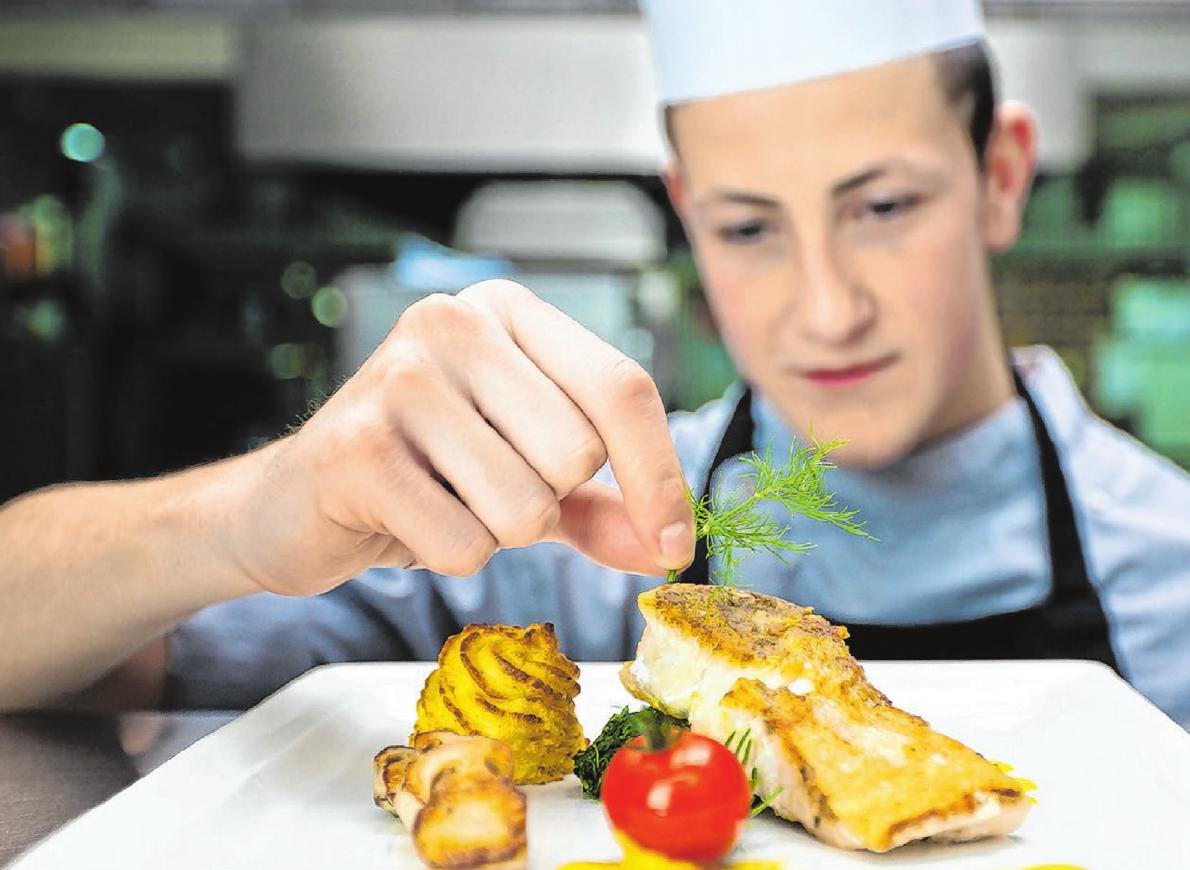 Genuss aus See und Meer: Fisch und Meeresfrüchte passen gut zu einer kalorienreduzierten Ernährung am Jahresanfang.Foto: saxlerb/Fotolia.com