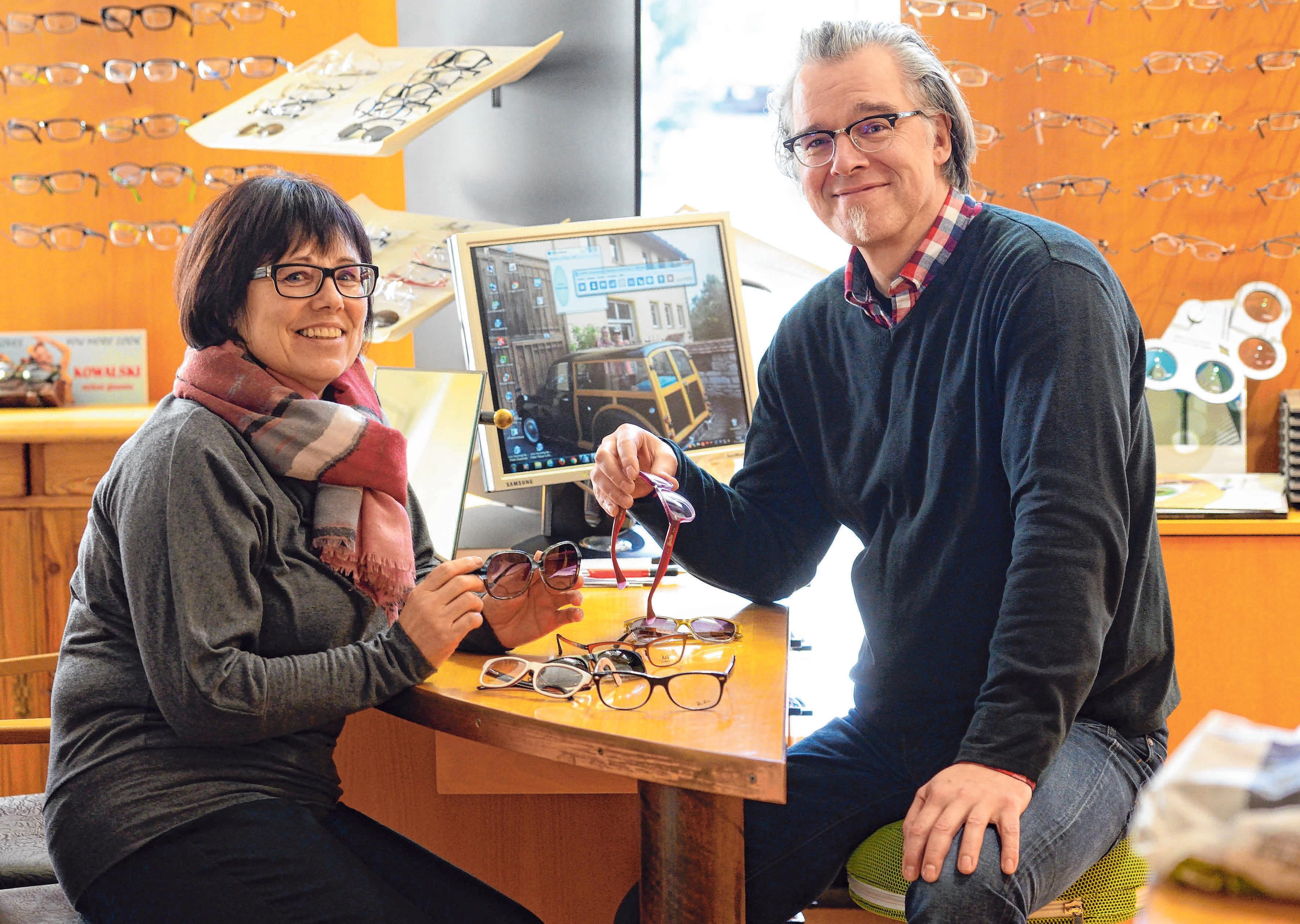 Bei Koschick Augenoptik ist für die Kunden ein Nottelefon eingerichtet. Foto: Archiv/Kliebhan