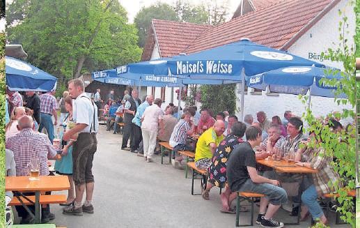 Das Dorffest, das die Waldauer Vereine ausrichten, ist aus dem Veranstaltungskalender des Neudrossenfelder Ortsteils nicht mehr wegzudenken. Fotos: Archiv Edwin Hartmann/privat