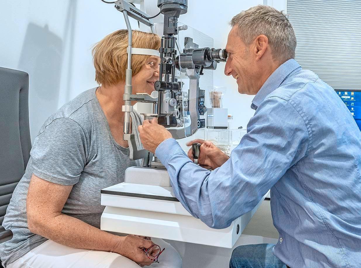 Sehstärke setzt neue Standards bei der konservativen und operativen Versorgung der Patienten. In einem Ambiente zum Wohlfühlen beraten die Fachärzte gerne individuell über die Behandlungsmöglichkeiten.