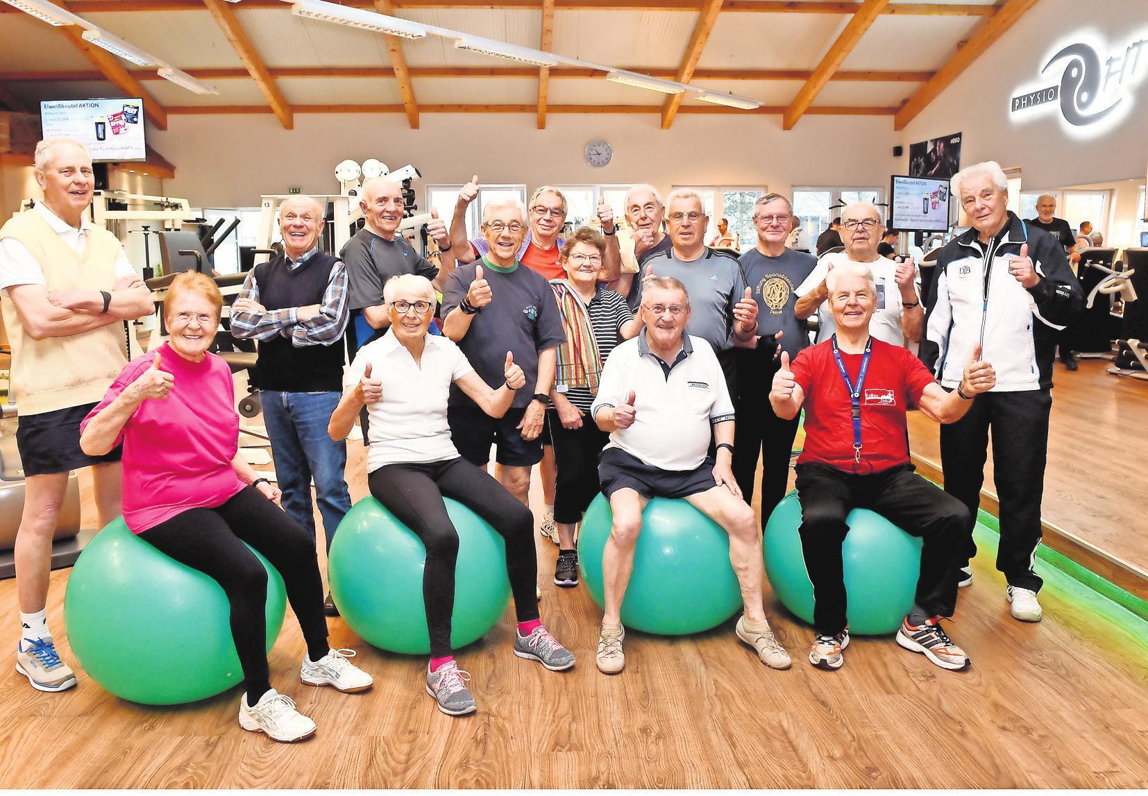 Insgesamt halten sich über vierzig Ü-80-Jährige im PhysioFIT mit Fitnesstraining fit und gesund.