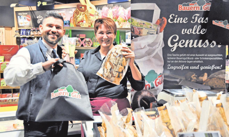 Samija Sakanovic freut sich über ihre Arbeit im Frischemarkt.