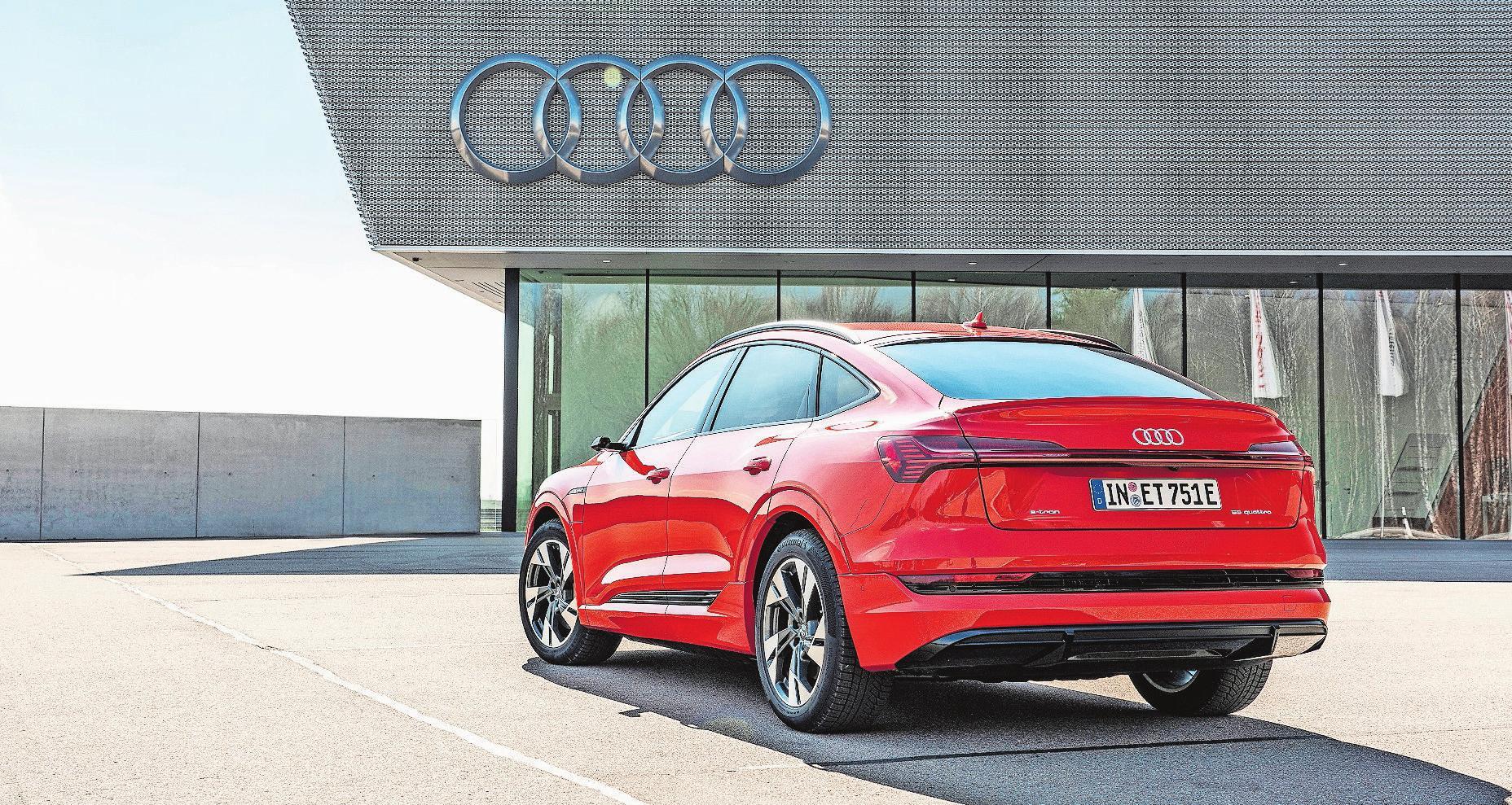 Eine Frage des Hecks: Als Sportback wirkt der e-tron von Audi deutlich eleganter als die normale Version. Bilder: PD