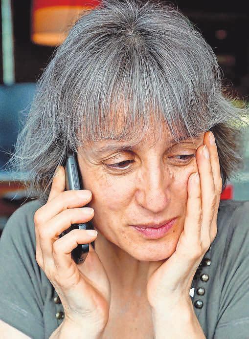 Viele Beratungseinrichtungen bieten telefonische Sprechzeiten an, auch die Telefonseelsorge ist rund um die Uhr als Ansprechpartner für Hilfesuchende da.
