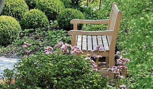 Oskar Petersen kreiert Gärten in einem harmonischen Zusammenspiel von Farben und Formen sowie Material und Pflanzen.        FOTO: OSKAR PETERSEN