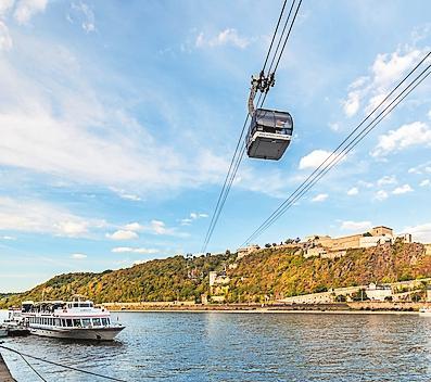 Höhepunkt: Die Koblenzer Seilbahn schwebt zur Festung Ehrenbreitstein. Foto: Romantischer Rhein/Dominik Ketz/frei