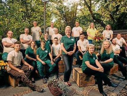 Von den 18 Mitarbeitern der Gartenbaufirma haben drei eine Beeinträchtigung. FOTO: CHRISTIAN GOHDES